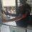 «Σκανάρουν» τα πιστοποιητικά-Ιδιωτικοί υπάλληλοι φύλαξης ελέγχουν τα κινητά και τα έγγραφα των πολιτών που εισέρχονται στο Δικαστικό Μέγαρο