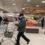 Το κύμα ακρίβειας αλλάζει την αγοραστική συμπεριφορά των καταναλωτών – Πώς επιλέγουν προϊόντα